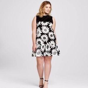 VB x Target Black Daisy Scalloped Dress 2X